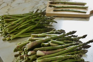 Asparagus bundles separated into sizes